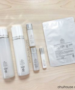 Mặt sau Bộ dưỡng trắng da chuyên sâu OHUI Extreme White Special Set Intensive Whitening (6 SP)