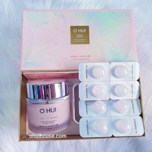 Kem Dưỡng Ẩm Ohui Miracle Moisture Cream 100ml